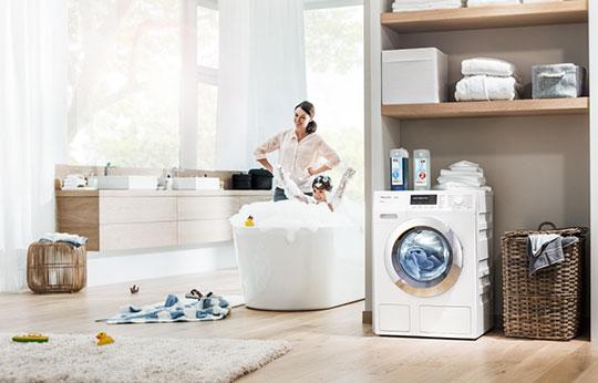 Miele Waschmaschine im Wohnzimmer